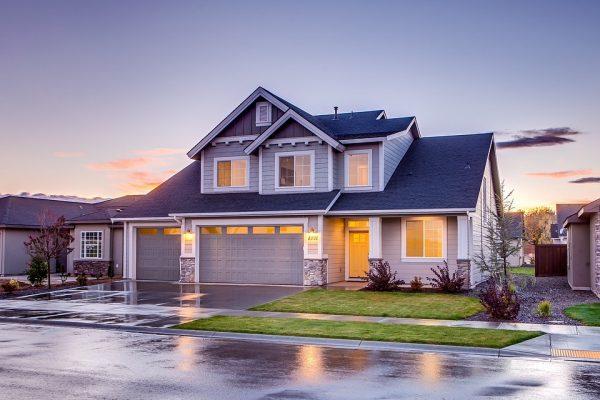 Wady i zalety domów parterowych i piętrowych