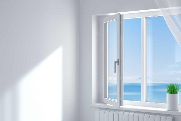 Okna PCV i drewniane – różnice i na co zwrócić uwagę przy wyborze