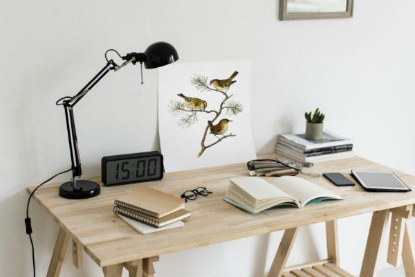 Czym charakteryzuje się biurko industrialne?