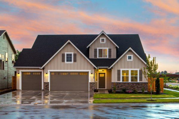 Bramy garażowe – w co warto zainwestować?