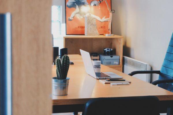 Jak urządzić domowe biuro? Garść praktycznych porad.